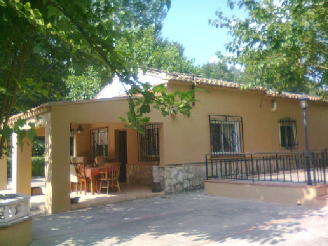 Detached villa near the natural site of La Cueva Negra, at Xàtiva