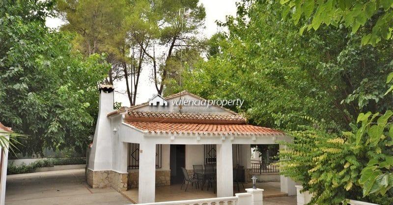 Detached villa near the natural site of La Cueva Negra, at Xàtiva