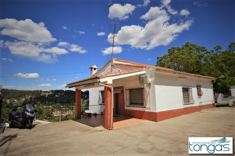 Detached villa with little pool & annex, at Xàtiva