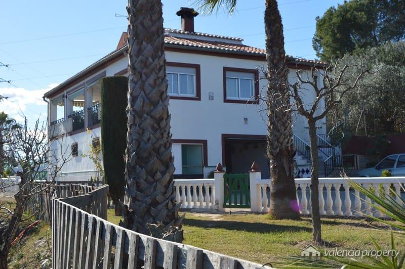 Chalet 4 dormitorios y piscina en Xàtiva.