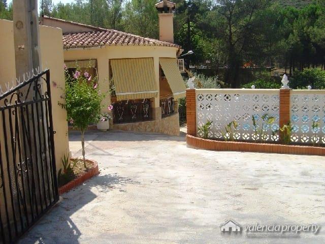 Detached Villa, 4 bedrooms & pool, at Xàtiva.