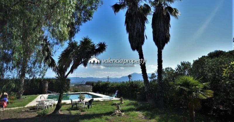 6 bedrooms detached villa, pool + 2431 sqm plot, at Beniganim