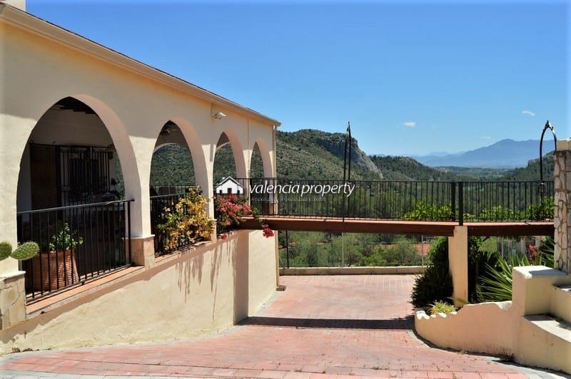 Villa , de 4 chambres avec piscine, en face de la contrée naturelle de La Grotte Noire, Xàtiva