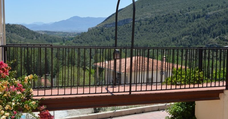 Detached villa, 4bedrooms, facing the natural setting of La Cueva Negra, Xàtiva