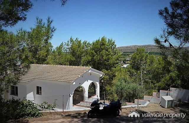 Detached Villa, 5000 sqm plot, 3 bedrooms at Barxeta, near Xàtiva