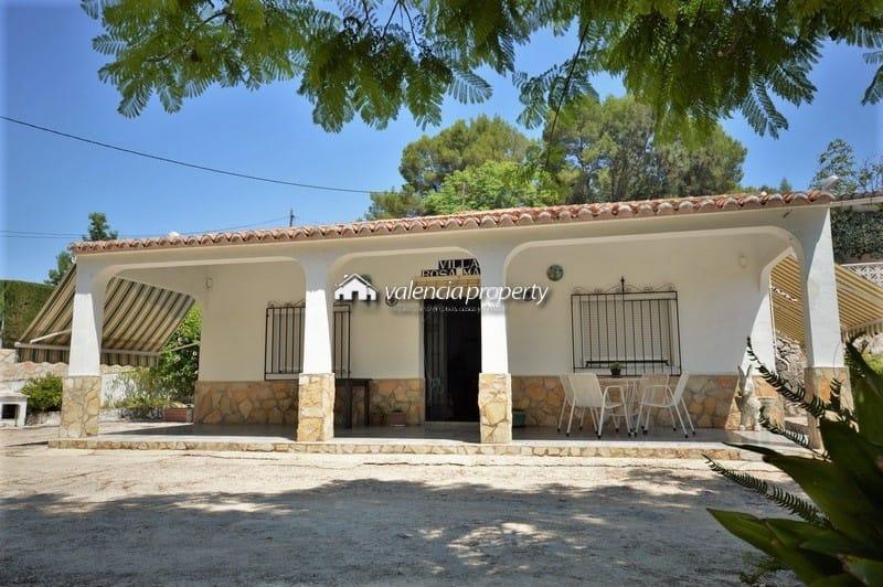 Detached villa, 3 bedrooms, nice pool & barbecue.