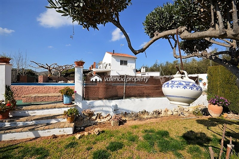 Country house, 4 bedrooms + pool in Vallada.